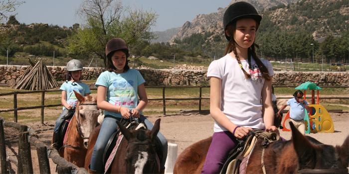Montar a caballo en Valdemanco, en cabalcampo, km. 3  de la M-610